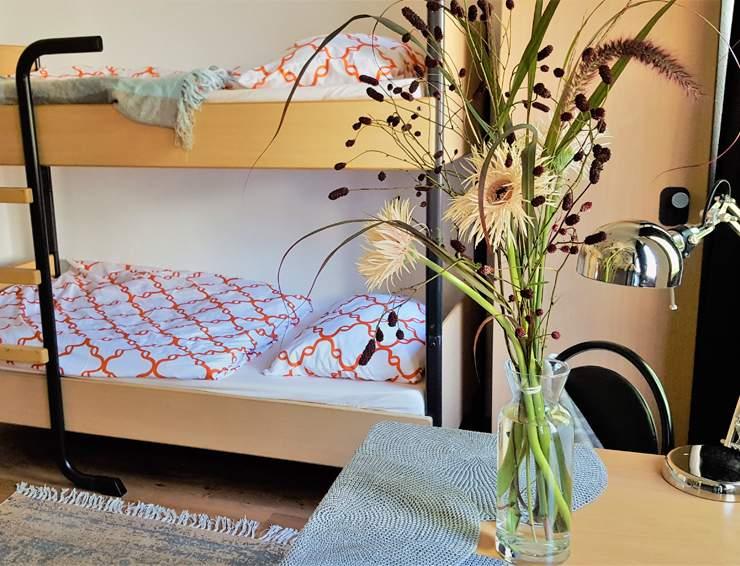 Hansezimmer.de-Monteurzimmer-drei-Bettzimmer